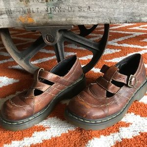 Dr. Martens brown leather Mary Jane w buckle. GUC